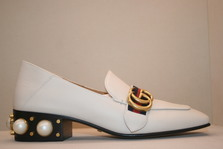 GUCCI  Peyton faux-pearl embellished leather pumps ~~~