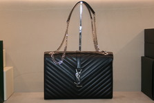 YSL CLASSIC monogram quilting  Bag ~~~