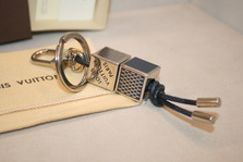 Louis Vuitton DAMIER CUBE VALET KEY HOLDER